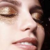 Maquiagem com brilho, muito brilho!